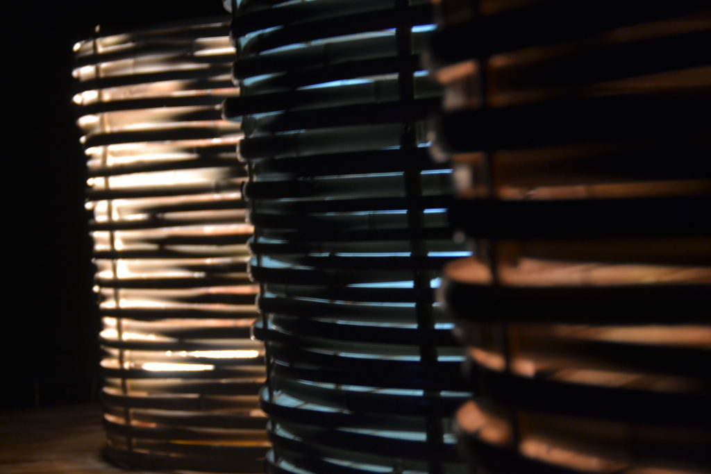 Détail lampes tressées en bambou - bambou créations
