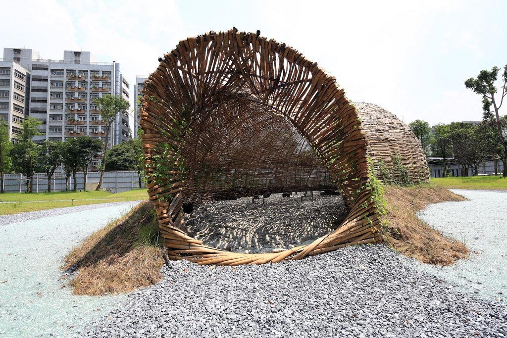 Land Art - Passage tunnel en bambou - décor en bambou - bambou créations