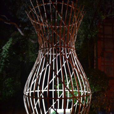 Vidéo montage et mise en scène d'un luminaire design en bambou