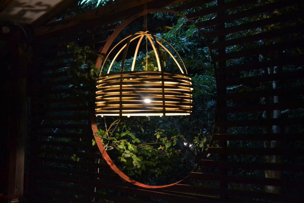 Abat jour mis en lumière - Bambou Créations