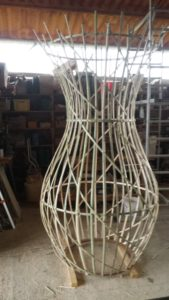 Amphore en bambou en atelier - Bambou Créations