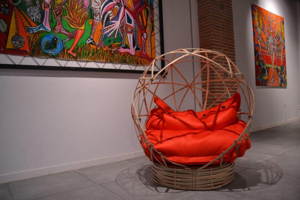 Pouf en mesh dans un cocon de détente - Bambou Créations